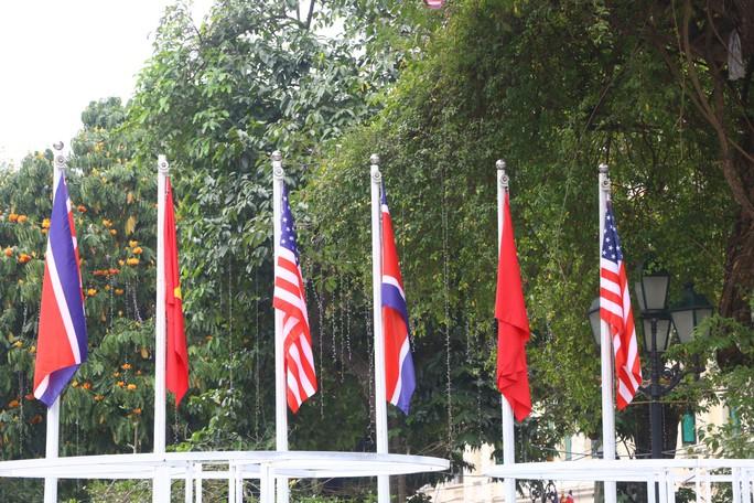 Đột nhập đại bản doanh tác nghiệp của 3.000 phóng viên đưa tin thượng đỉnh Mỹ-Triều - Ảnh 15.