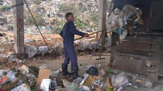 Nan giải với rác thải trên đảo - Ảnh 1.