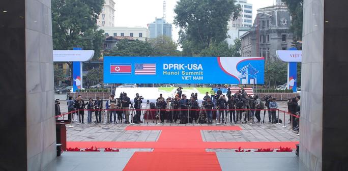 Trung tâm báo chí quốc tế hội nghị thượng đỉnh Mỹ-Triều hoạt động 24/24 giờ - Ảnh 4.