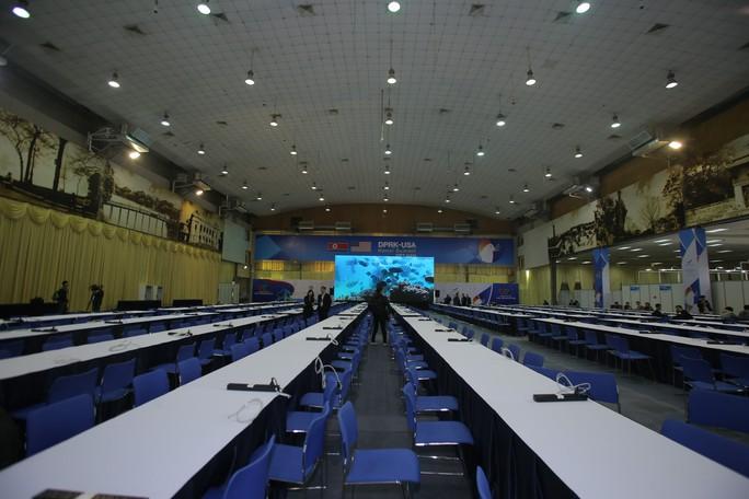 Trung tâm báo chí quốc tế hội nghị thượng đỉnh Mỹ-Triều hoạt động 24/24 giờ - Ảnh 16.