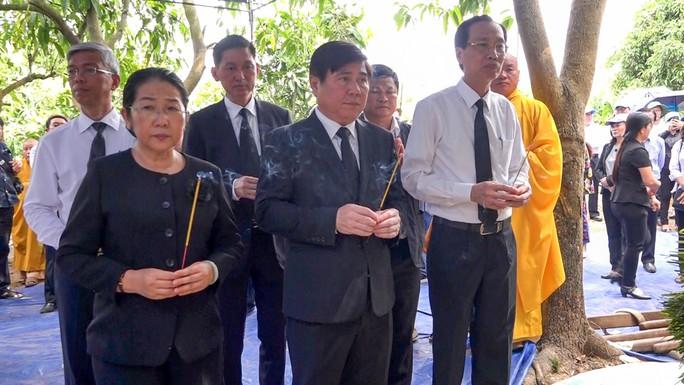Phó Chủ tịch UBND TP HCM Nguyễn Thị Thu đã yên nghỉ nơi quê nhà - Ảnh 7.
