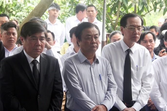 Phó Chủ tịch UBND TP HCM Nguyễn Thị Thu đã yên nghỉ nơi quê nhà - Ảnh 10.