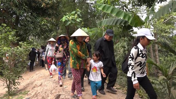 Phó Chủ tịch UBND TP HCM Nguyễn Thị Thu đã yên nghỉ nơi quê nhà - Ảnh 2.