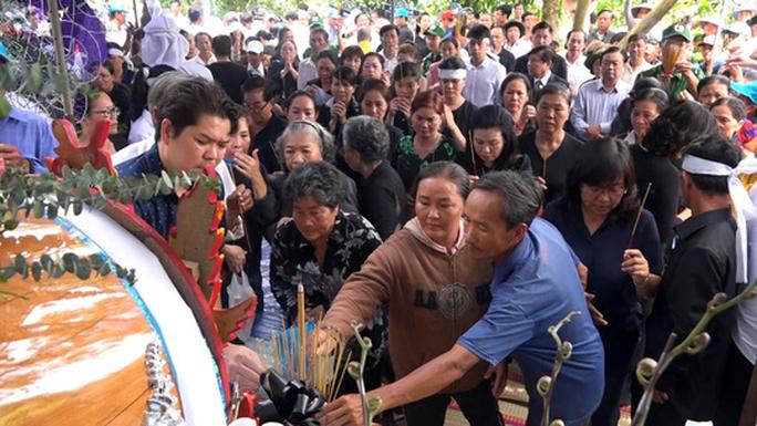 Phó Chủ tịch UBND TP HCM Nguyễn Thị Thu đã yên nghỉ nơi quê nhà - Ảnh 3.