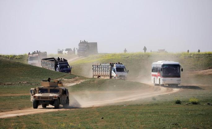 Mỹ đổi ý về Syria, đồng minh người Kurd thở phào - Ảnh 1.