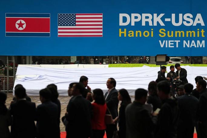 Tổng thống Trump sắp tới Việt Nam, Triều Tiên bất ngờ cứng rắn  - Ảnh 1.