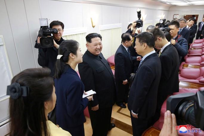 Bên trong đoàn tàu bọc thép của ông Kim Jong-un  - Ảnh 6.