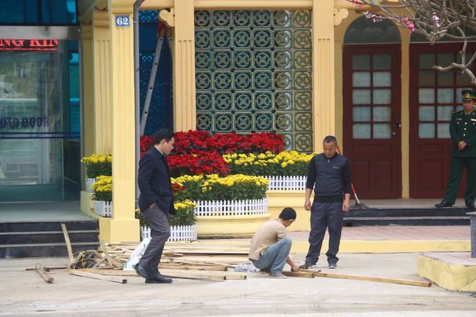 An ninh thắt chặt, hàng chục phóng viên quốc tế có mặt tại Ga Đồng Đăng trước hội nghị Thượng đỉnh - Ảnh 4.