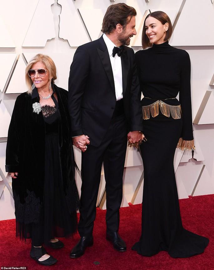 Lady Gaga và Bradley Cooper vướng nghi án phim giả tình thật - Ảnh 12.
