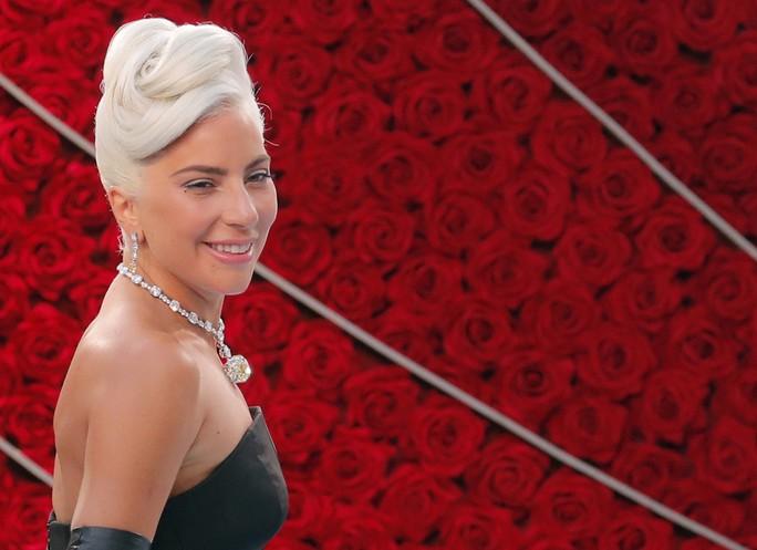Lady Gaga và Bradley Cooper vướng nghi án phim giả tình thật - Ảnh 11.