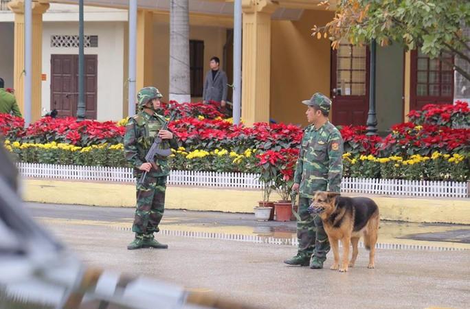 Nhiều lớp an ninh thắt chặt tối đa ở ga Đồng Đăng trước Thượng đỉnh Mỹ-Triều - Ảnh 4.