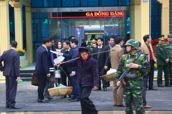 Nhiều lớp an ninh thắt chặt tối đa ở ga Đồng Đăng trước Thượng đỉnh Mỹ-Triều - Ảnh 8.