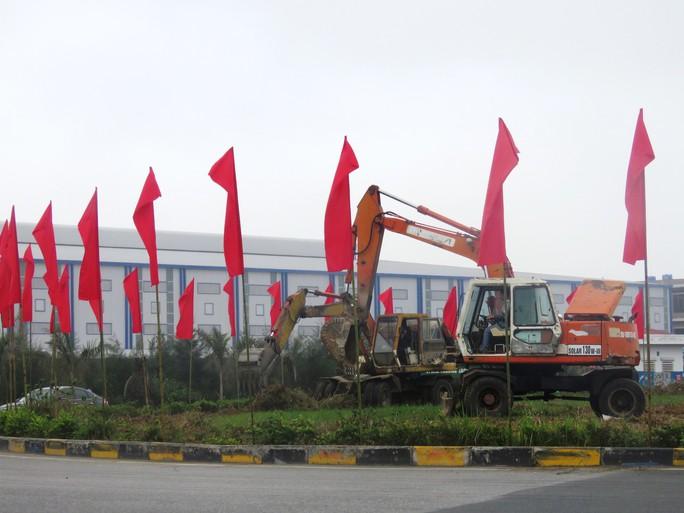 Hải Phòng: Chạy nước rút trang hoàng đô thị chào đón Đoàn Triều Tiên tới thăm - Ảnh 2.