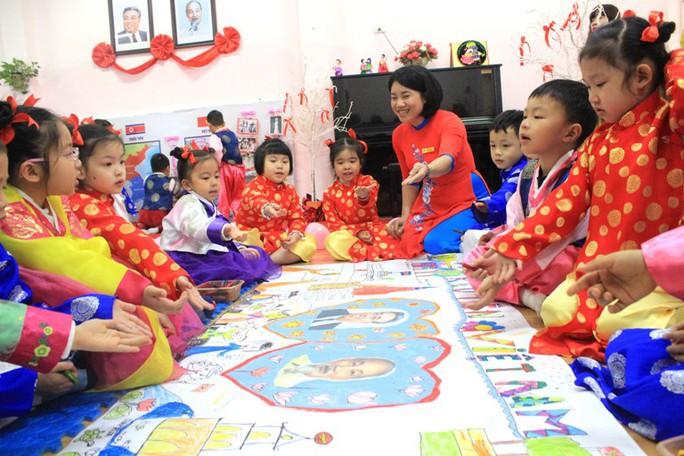 Trường mẫu giáo Việt-Triều náo nức trước chuyến thăm của Chủ tịch Kim Jong-un - Ảnh 6.