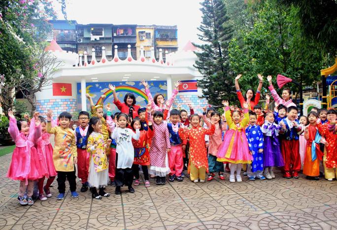 Trường mẫu giáo Việt-Triều náo nức trước chuyến thăm của Chủ tịch Kim Jong-un - Ảnh 1.