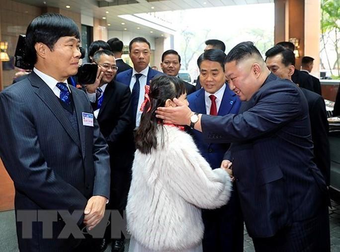 [Clip] Chủ tịch TP Hà Nội đón nhà lãnh đạo Kim Jong-un tại khách sạn Melia - Ảnh 3.