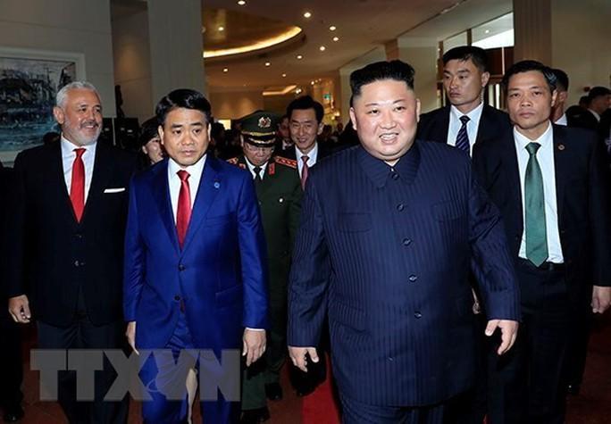 [Clip] Chủ tịch TP Hà Nội đón nhà lãnh đạo Kim Jong-un tại khách sạn Melia - Ảnh 4.