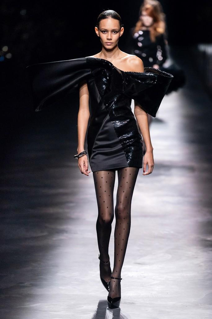 Người mẫu thả rông, truyền thông điệp giải phóng cơ thể - Ảnh 9.
