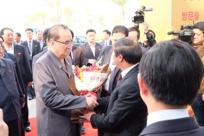 Đoàn lãnh đạo cấp cao Triều Tiên thăm Vinfast, VinEco - Ảnh 4.