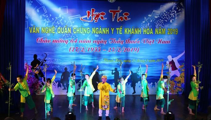 Sôi nổi hội thi tiếng hát ngành Y tế tỉnh Khánh Hòa - Ảnh 1.
