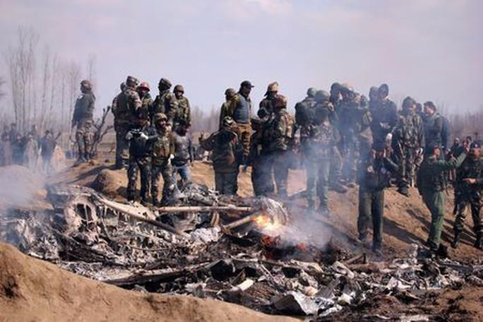 Pakistan tuyên bố bắn hạ 2 chiến đấu cơ Ấn Độ - Ảnh 1.