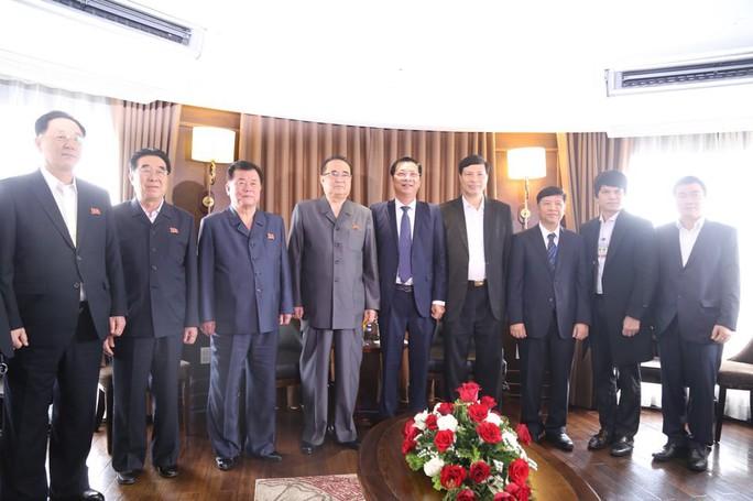 3 phó chủ tịch Đảng Lao động Triều Tiên thăm vịnh Hạ Long - Ảnh 9.