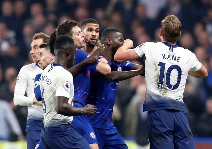 Thủ thành Kepa dự bị, Chelsea thắng hoàn hảo Tottenham - Ảnh 1.