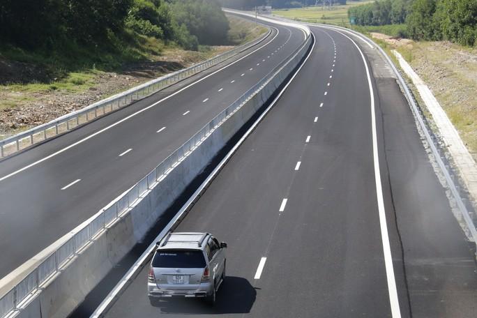 Đường cao tốc Đà Nẵng – Quảng Ngãi: Cảnh cáo nhiều cá nhân, tập thể sai phạm - Ảnh 2.