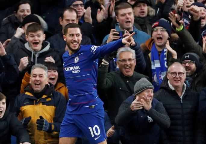 Higuain đại náo Stamford Bridge, Chelsea trở lại đường đua Ngoại hạng - Ảnh 6.