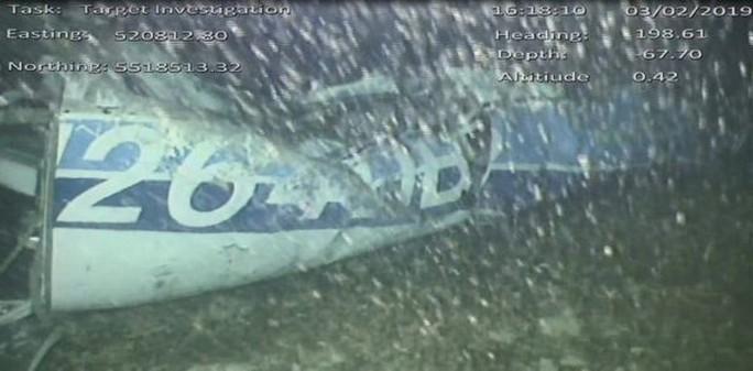 Phát hiện thi thể trong vụ rơi máy bay chở cầu thủ Sala - Ảnh 1.
