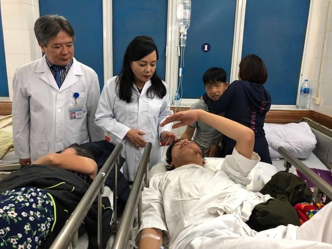 Bộ trưởng Nguyễn Thị Kim Tiến đón em bé chào đời trong đêm giao thừa - Ảnh 9.