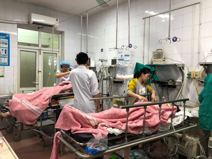 Bộ trưởng Nguyễn Thị Kim Tiến đón em bé chào đời trong đêm giao thừa - Ảnh 13.