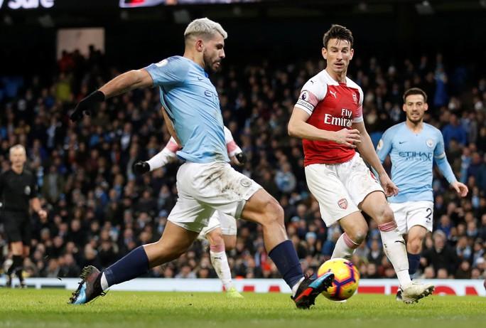 Gục ngã ở Etihad, Arsenal văng khỏi Top 5 - Ảnh 4.