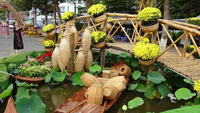 Lục bình, sen lên đường hoa Xuân ở thủ phủ đất Sen hồng Đồng Tháp - Ảnh 9.