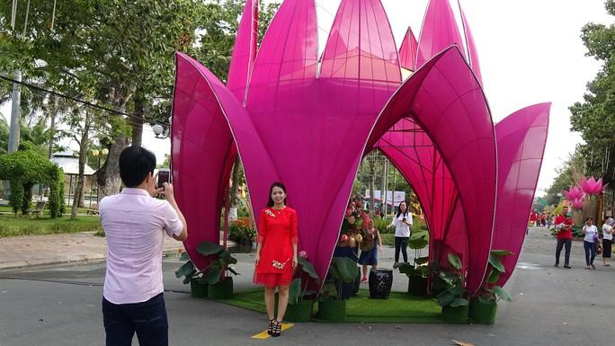 Lục bình, sen lên đường hoa Xuân ở thủ phủ đất Sen hồng Đồng Tháp - Ảnh 12.