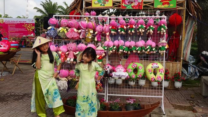 Lục bình, sen lên đường hoa Xuân ở thủ phủ đất Sen hồng Đồng Tháp - Ảnh 10.