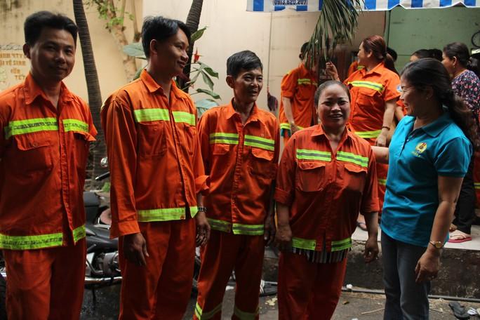 Mong công nhân vệ sinh đỡ vất vả - Ảnh 1.