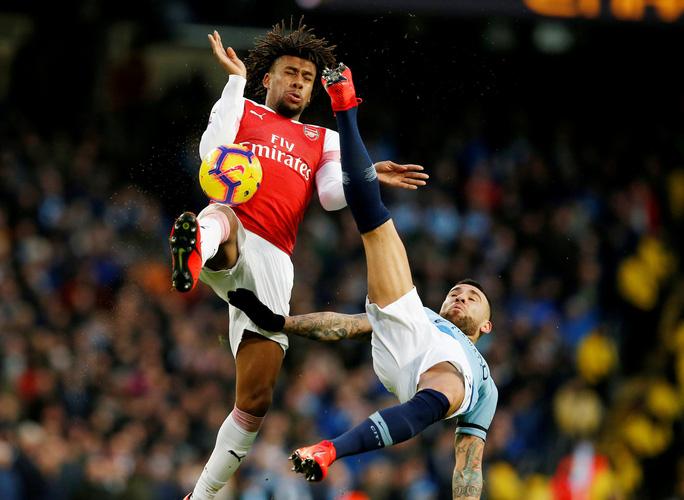 Gục ngã ở Etihad, Arsenal văng khỏi Top 5 - Ảnh 3.