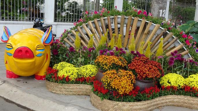 Trụ sở UBND tỉnh Đồng Tháp thân thiện đón khách du Xuân - Ảnh 11.