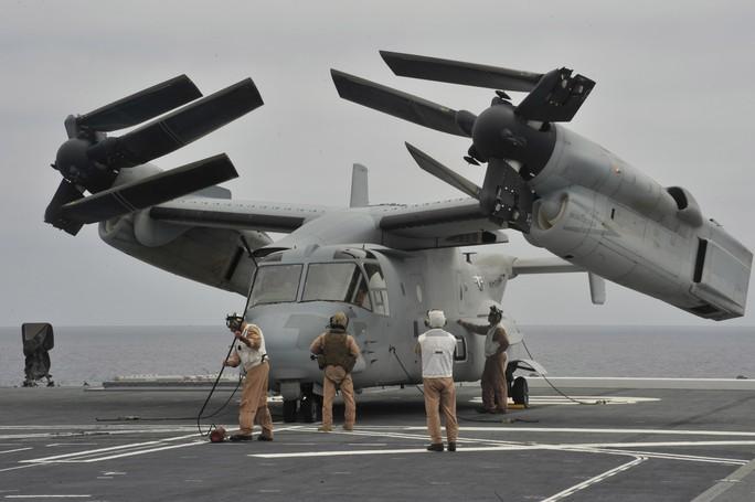 Nhật Bản đặt dấu chấm hết cho 7 thập kỷ không có tàu sân bay - Ảnh 3.