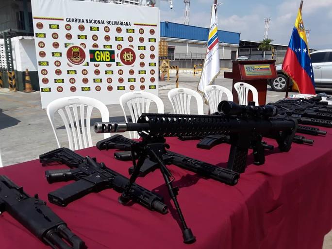 Venezuela tóm gọn lô vũ khí Mỹ - Ảnh 3.
