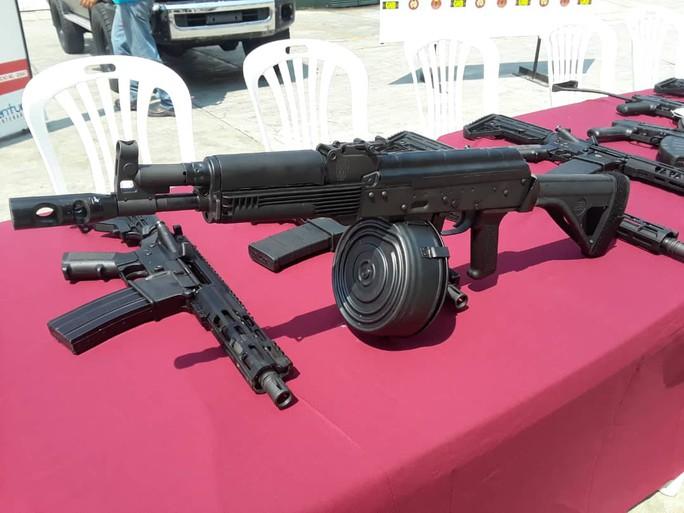 Venezuela tóm gọn lô vũ khí Mỹ - Ảnh 4.