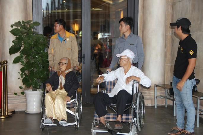 Du khách xếp hàng vào các điểm vui chơi giải trí ở Phú Quốc  - Ảnh 7.