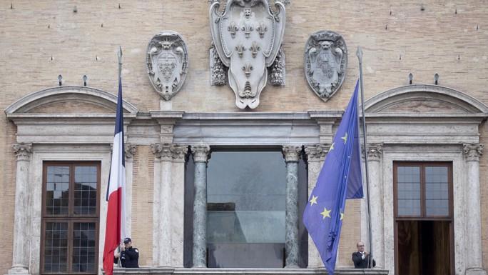 Động thái chưa từng có của Pháp kể từ Thế chiến II - Ảnh 2.