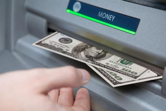 Một triệu USD tiền mặt bị rút qua ATM từ lỗ hổng bảo mật  - Ảnh 1.
