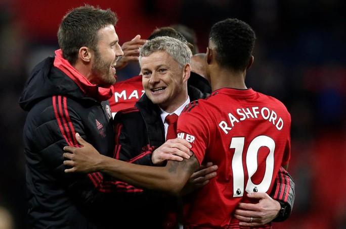 Paul Pogba rực sáng, Man United soán chỗ Chelsea ở Top 4 - Ảnh 2.