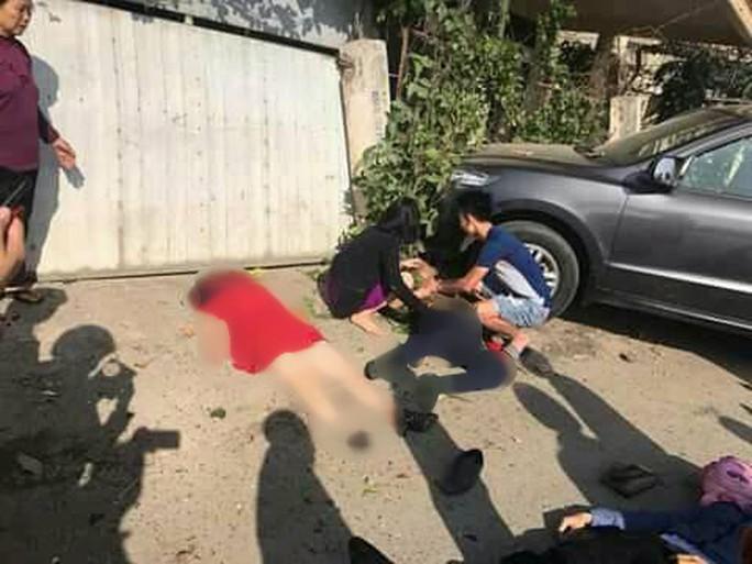 Tai nạn thảm khốc xe khách tông ô tô 7 chỗ, 3 người đi chúc Tết tử vong - Ảnh 1.