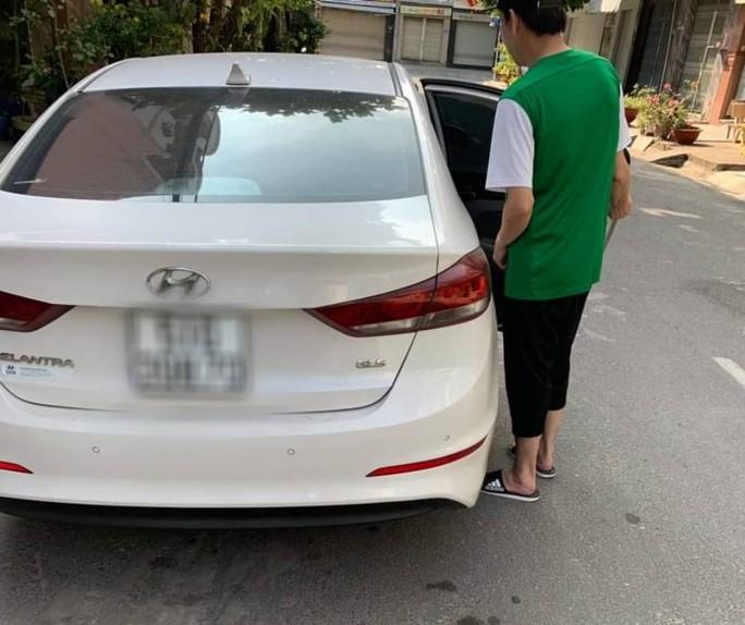 Nghi án một người Hồng Kông bị cướp túi xách 1 tỉ đồng ở TP HCM - Ảnh 1.