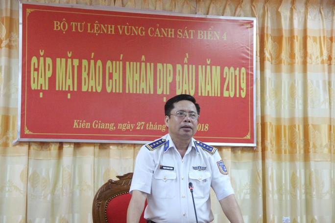 Vùng Cảnh sát biển 4 ăn Tết không quên nhiệm vụ - Ảnh 6.