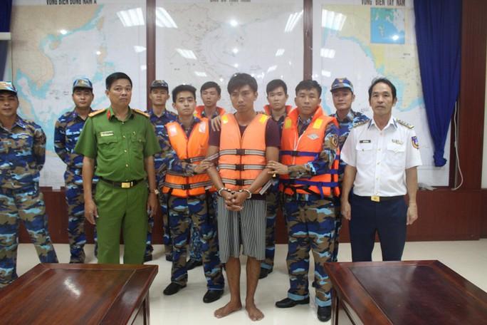 Vùng Cảnh sát biển 4 ăn Tết không quên nhiệm vụ - Ảnh 5.